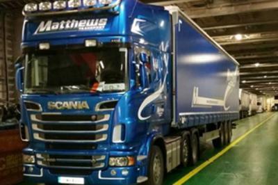 Matthews Transport - Curtain Sider