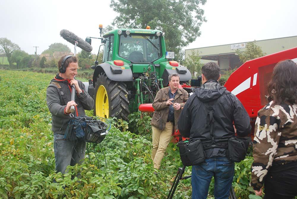 Philip Boucher Hayes recording Waste Wachers for RTE