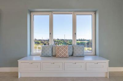 Window Seat 1