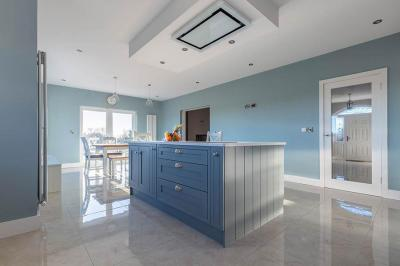 Inframe shaker blue kitchen