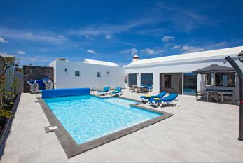 Villa Cartaphilus Pool Area