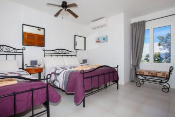 Bedroom 3 (1 Double Bed 1 Single Bed Sleeps 3 shared ensuite with Air Con)