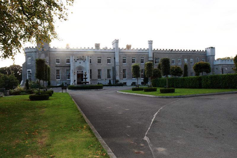 Castlebellingham Hotel