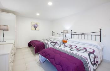 Bedroom 4 (2 Double Beds & Air Con)