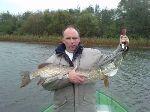 Jean-Luc Janquin avec un pêcheur belge qui mérite ....